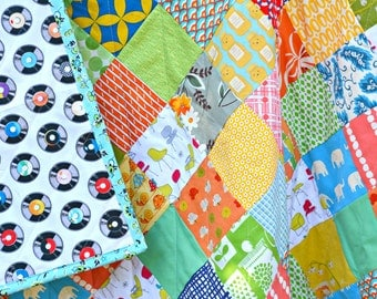 Modern Quilt - Baby Crib Quilt - Toddler Quilt - Gender Neutral Quilt