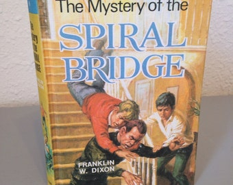 Vintage Hardy Boys Hardcover Book, The Mystery of the Spiral Bridge, #8 UK Collins Hardy Boys Colour Hardcover Series