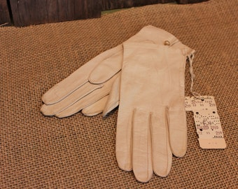 White Leather Gloves Mid Century Formal Wedding Brides Gloves Womens Accessories Vintage 1950s 50s (P)