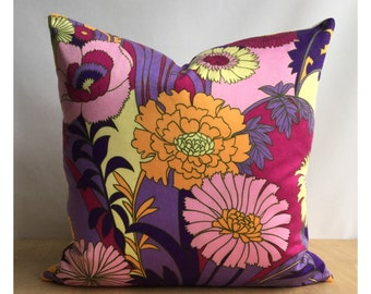 """Vintage 70s Fabric 20"""" x 20 Pink Purple Flowery Cushion Cover  Retro Throw Pillow"""