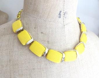 1960s Yellow Lisner thermo plastic  / chocker