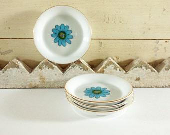Four Small Vintage Blue Daisy Porcelain Dishes for Pins or Jewelry Creative Japan