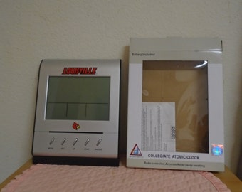 SALE/Louisville Cardinels Collegiate Atomic Clock / NEW in Box.