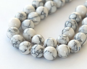 Magnesite Beads, White with Veins, 10mm Round - 15 inch Strand - eGR-MG012-10
