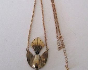 Vintage art deco dove pendant * gold tone