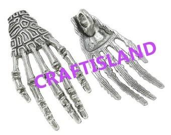 4pc 18x39mm antique silver finish Skeleton Hand pendants-8117E