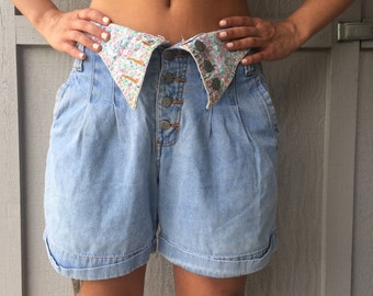 Vintage Voyou Floral Print High Waisted Shorts