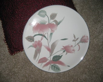 Mikasa Silk Flowers Cake Plate Mint condition 12+ inches