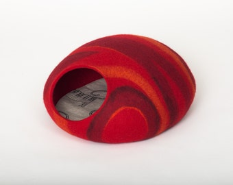 Cat bed/cat cave/cat house//felted cat cave (With GIFT pad) multicolored