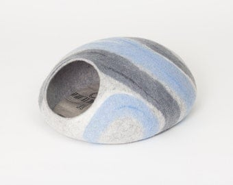 Cat bed/cat cave/cat house/blue-grey felted cat cave (With GIFT pad)