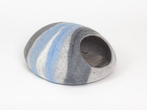 READY to SHIP L size cat bed/cat cave/cat house/blue-grey felted cat cave (With GIFT pad)