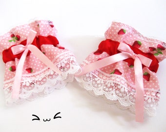 wrist cuffs Lolita lace cosplay strawberries rose