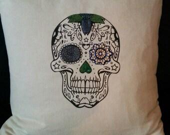 One eye skull pillow