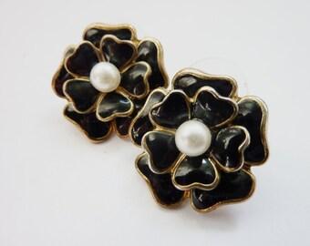 black Flower Earstuds Statement Earrings Jewelry vintage nostalgic Rockabilly jewelry 50ies Look