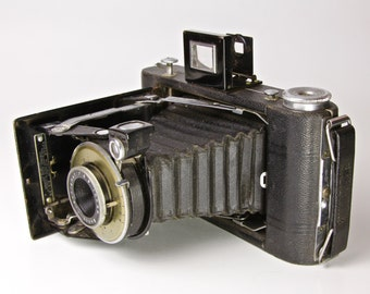 Kodak Vigilant Six-20 Antique Folding Camera - No1 Diomatic Shutter
