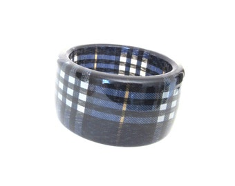 Wide Chunky Lucite Bangle Checkered Gingham Pattern Clear Overlay Navy Blue & Black