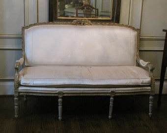 French Settee or Sofa    Hand Carved Frame from 19th Century    Silk Velvet Upholstery