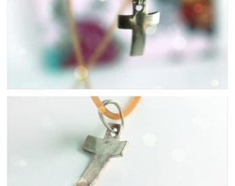 small modern cross- sterling silver 925