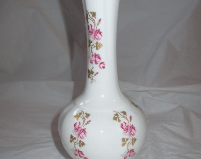 """6-5/8"""" Royal Tara Fine Bone China Bud Vase, Dark Pink Roses, Gold Trim, ca. 1970s"""