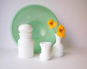 Vintage Milk Glass Spice Jar or Apothecary Jar. Vintage Glass, White. Vintage Glass Bottle. Vintage Glass Jar.Milk Glass Vase.
