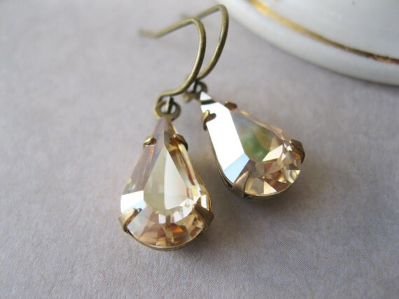 Small Champagne Teardrop Earrings, Bridesmaid Earrings, Champagne Wedding, Light Topaz and Antique Brass, Bridal Jewellery