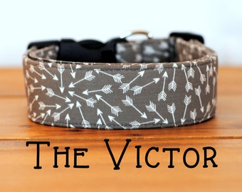 "Modern Grey and White Arrow Dog Collar ""The Victor"""