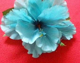 Silk Hibiscus Hairclip (blue)