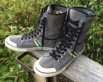 """Mens Size 9 1/2 High top/fold down leather """"Vans"""" shoe"""