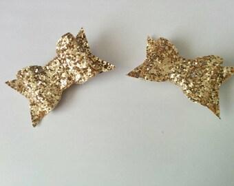 Small gold glitter hair bow clip