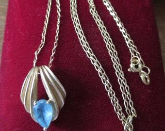 Vintage Retro, 14 kt gold/Blue Topaz pendant on 14 kt chain. - Estate find!