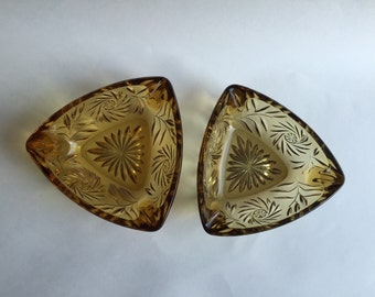 Hazel Atlas Triangle Ashtray golden of amber honey pressed glass vintage 1950s
