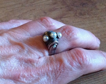 Vintage Sterling Silver And Freshwater Pearls Ring