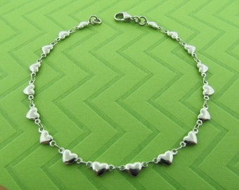 stainless steel heart chain anklet. avail in 9 1/2 inches