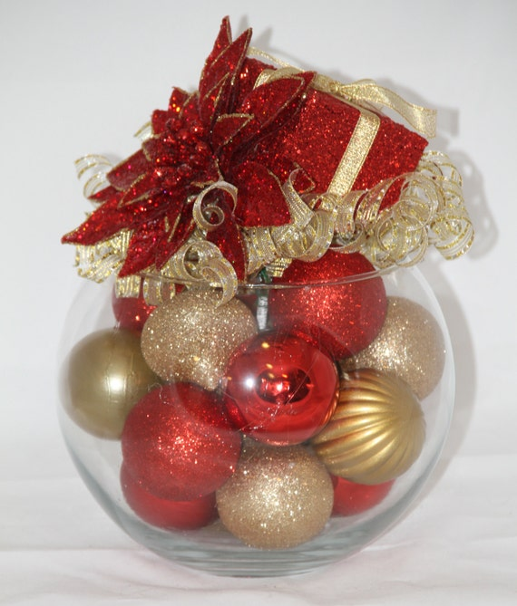 Christmas centerpiece red and gold decoration