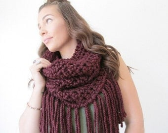 Chunky Fringe Cowl Fall Fashion Scarf Boho Womens Cowl Chunky Crochet Scarf - The Northern - in Claret