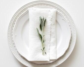 Set of 2 White Stone Washed Linen Napkins with fringes