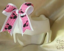 Plagiocephaly Helmet-cute Cheer bow made with Minnie Mouse ribbon, Velcro bow, cranial helmet bow,hot pink and black, DOC band, Cranial band