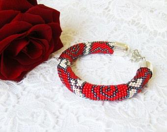 Valentines Women gift Flower bracelet Red roses bead bracelet Romantic love bracelet beadwork crochet rope chunky bracelet Beadwork jewelry