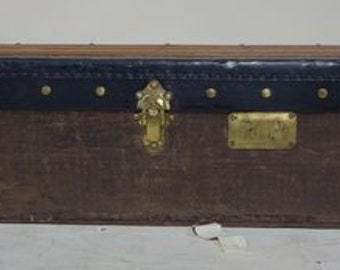 Trousers's trunk