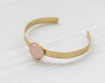 Minimal Rosequartz Brass Cuff In Gold