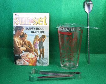 Vintage Cocktail shaker set with Southern Comfort The sunset Happy Hour Barguide.