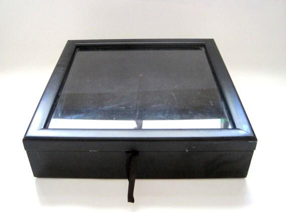 luxury black wooden display case black velvet 13 x 13. Black Bedroom Furniture Sets. Home Design Ideas