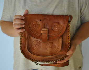 Vintage HANDMADE leather shoulder bag....(143)
