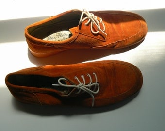 1970s Joan Helpern Signature Orange Suede Women's Shoe, Size 10