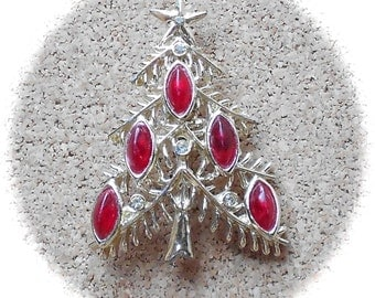B15: Vintage Christmas Tree Pin- signed Tancer II