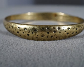 Vintage Brass Bangle Bracelet with Hammered Finish and Design     KW