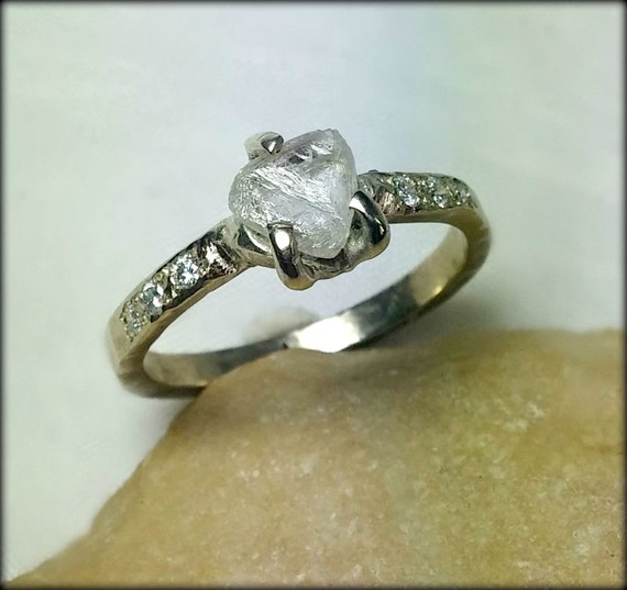 how to clean engagement ring white gold