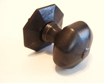 Victorian Cast Iron Door Knob And Backplate Octagonal All Original   1.5  Pounds
