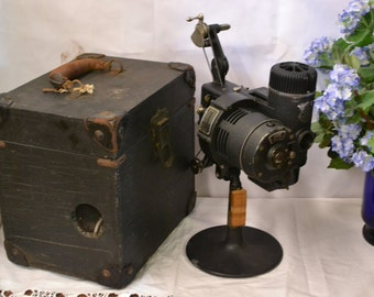 Vintage 1930's Bell & Howell Filmo Projector, Standard Cinemachinery