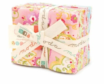 COLETTE CHEZ MOI, Moda Fabric Fat Quarter Bundle 19 Fat Quarters